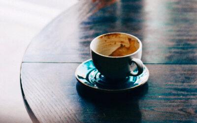 Příběh zničeného kávovaru aneb co je schované za naší nespokojeností